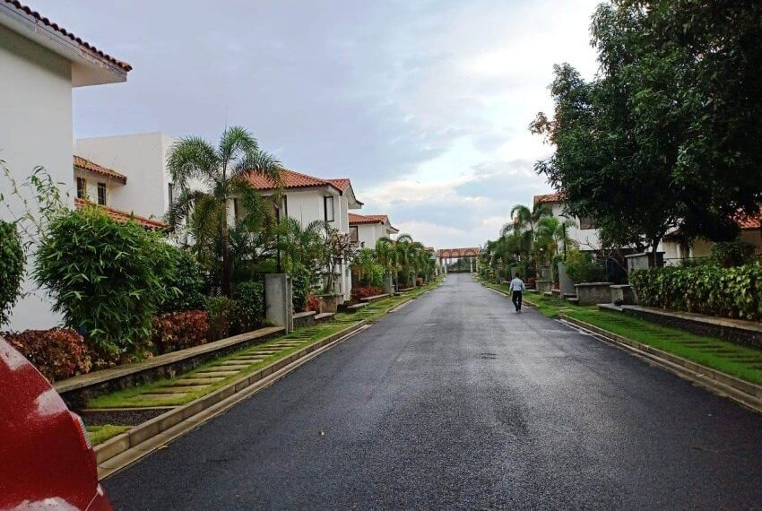 High end gated community with excellent security