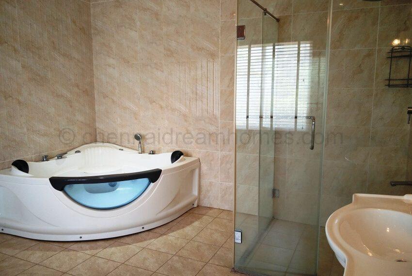 jacuzzi-master-bath