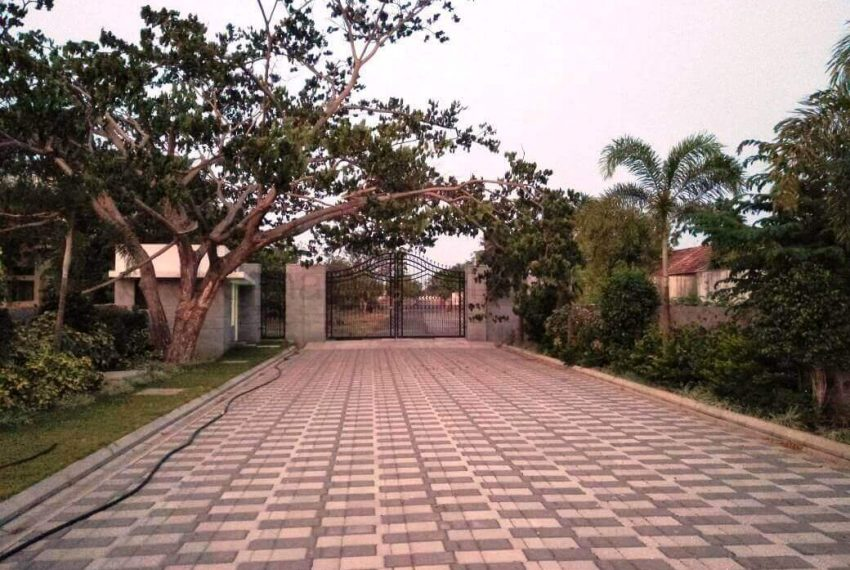 plots for sale in ecr