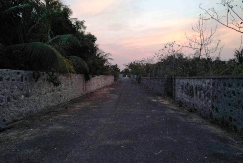 Gated-plots-sale-uthandi-ecr4