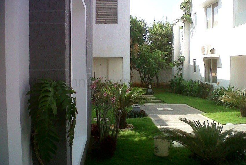 Villa-Landscaping