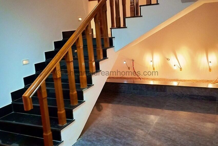 Duplex-Indoor-Staircase