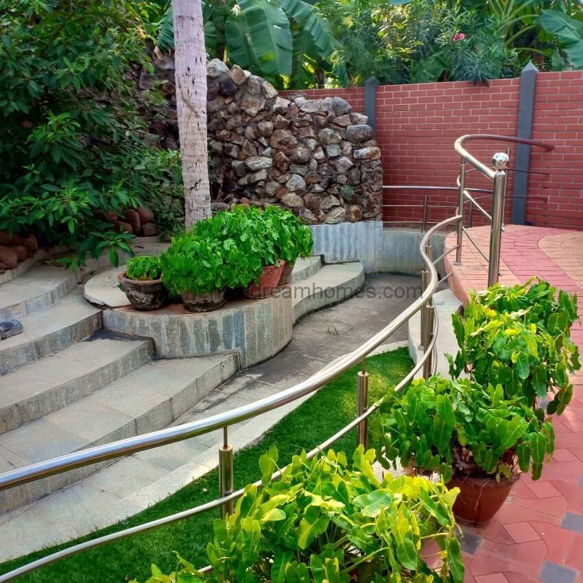 4 BHK Beach House For Rent In ECR With Pool On The Sea Side