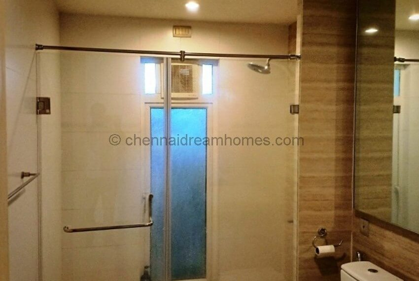 shower-panel-bath