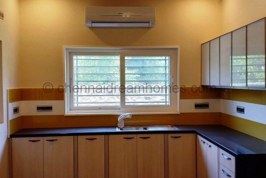 spacious wet & dry kitchens (1)