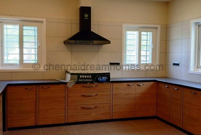 spacious wet & dry kitchens (2)