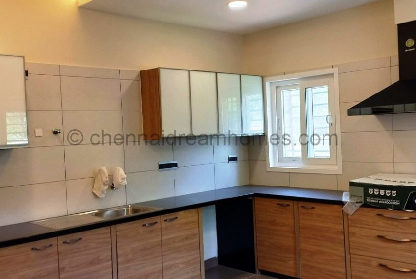 spacious wet & dry kitchens (3)