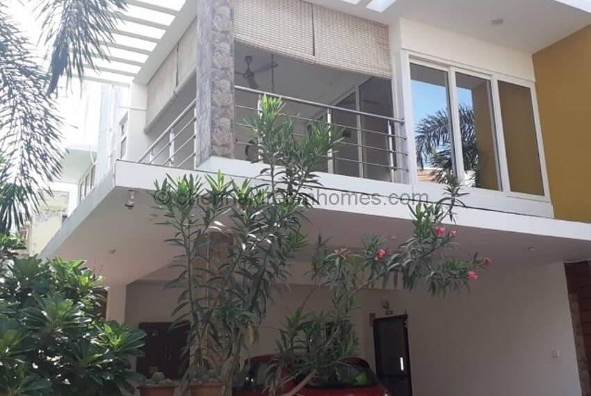 villa in omr