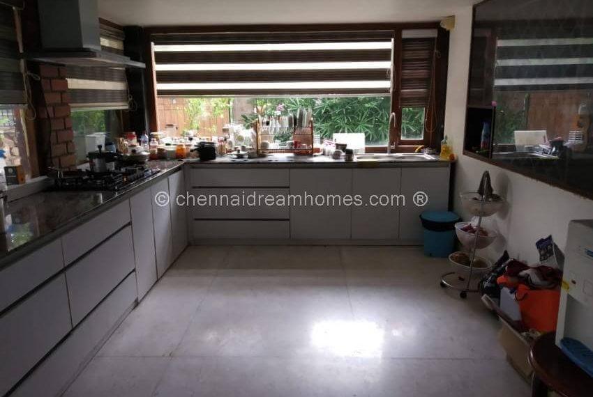 2nd kitchen .jpg